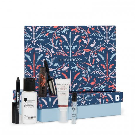 Estee Lauder Gift With Purchase - About Estee Lauder's Gift With Purchase Programs