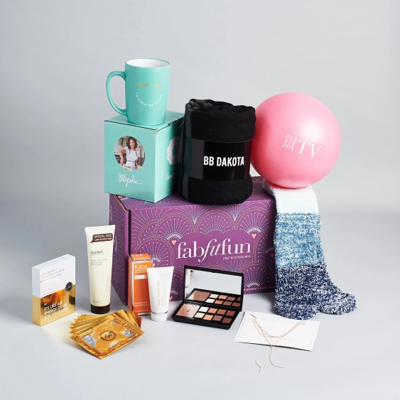 fabfitfun winter box 2017 see more at icangwp beauty blog 2