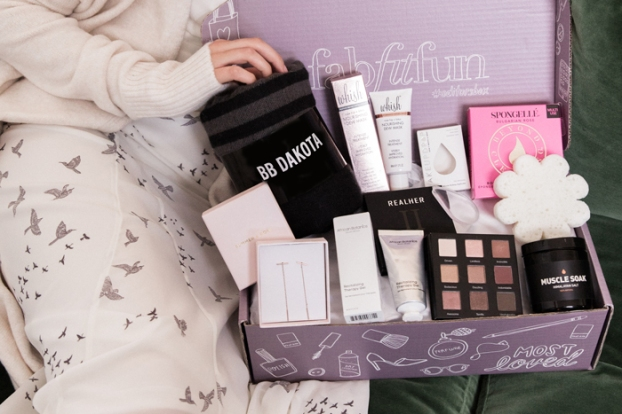 fabfitfun box winter editor's box 2017 see more at icangwp blog
