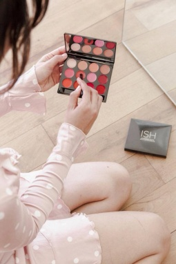fabfitfun spring box 2018 spoiler eyeshadow palette see more at icangwp beauty blog